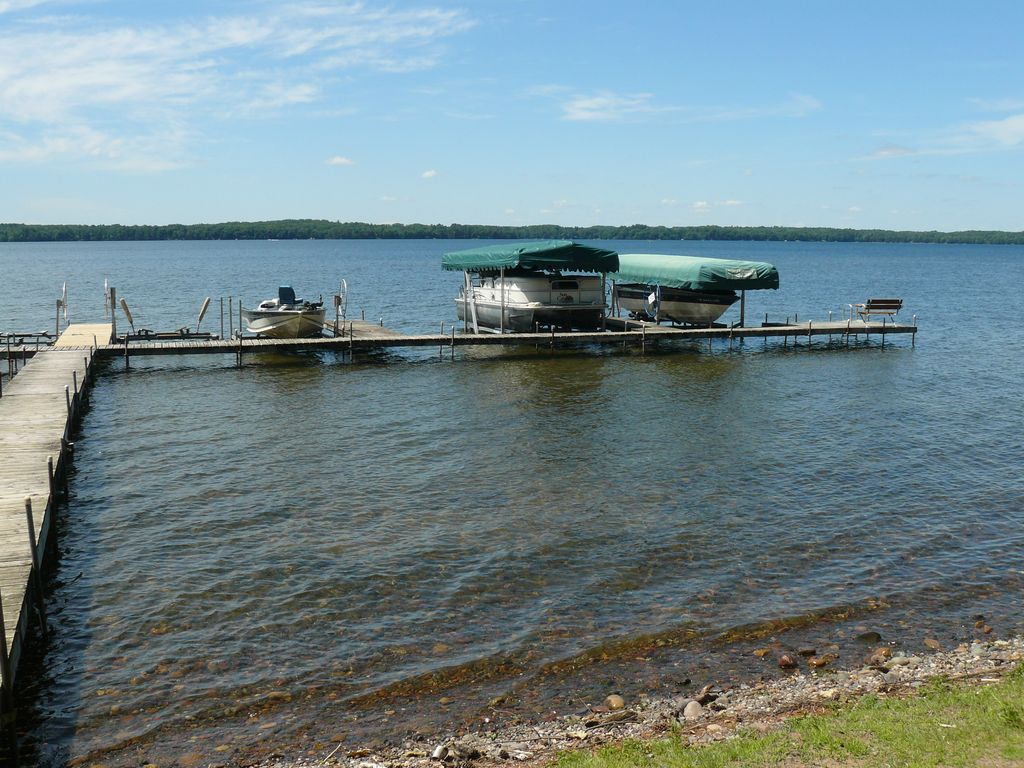 A great fishing lake hayward wisconsin rentbyowner for Wisconsin fishing resorts with boat rentals
