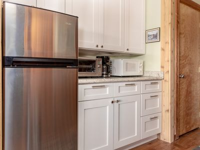 Renovated 1BR with mini-kitchen, large jacuzzi.