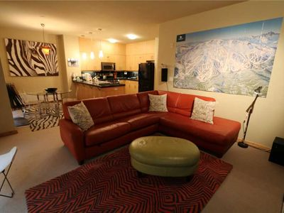 Photo for Pet Friendly, 2 Bed/2 Bath, Private Washer/Dryer, Underground Parking