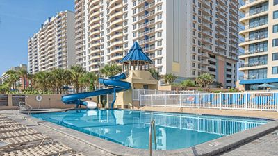 Photo for One Bedroom Condo - Daytona Beach (A388)
