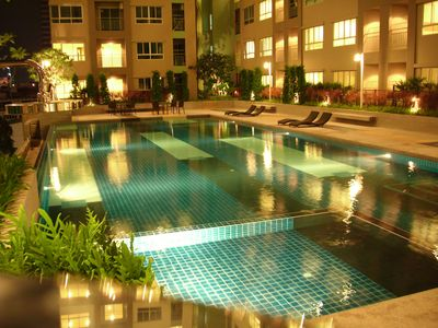 Photo for APARTMENT NEAR HISTORIC CENTRE OF BANGKOK IN LUXURY RESIDENCE WITH POOL