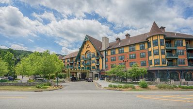 Photo for 2 Bedroom 2 Bath Hotel Condo at Mountain Creek Resort