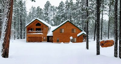 Photo for Gorgeous Cabin in the Highly Desired White Mountain Summer Homes Community!