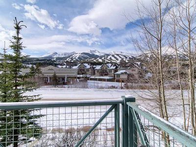 Photo for Amazing location, hiking trails close by, views of the mountains!