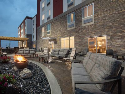 Photo for King Suite. Free Breakfast. Pool & Hot Tub. Great for Business Travelers!