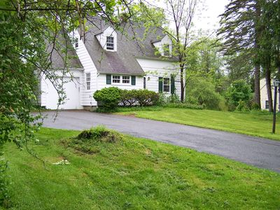 Charming Lenox cottage within walking distance to town