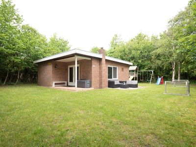 Photo for Nice chalet with large, enclosed garden near the centre and the beach of Renesse