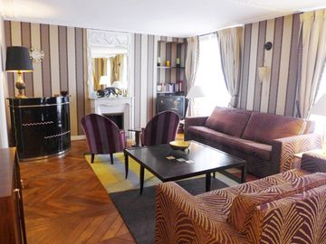 Gorgeous Apartment in a Calm, Safe and Upscale Neighbourhood