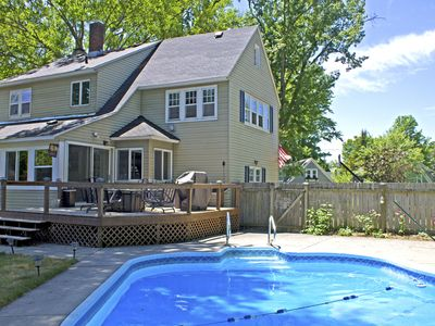 HEATED PRIVATE POOL and HOT TUB near Lake Macatawa