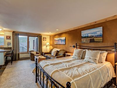 Photo for Breckenridge Condo @ Village - Ski In Ski Out, Pool, Hot Tubs & Walk to Town