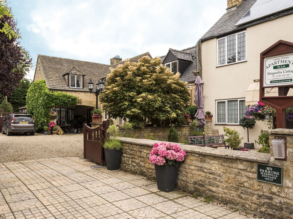 Magnolia Apartment in Cotswold village of B... - HomeAway