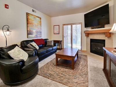 Photo for Great ground floor unit, newly carpeted and furnished!