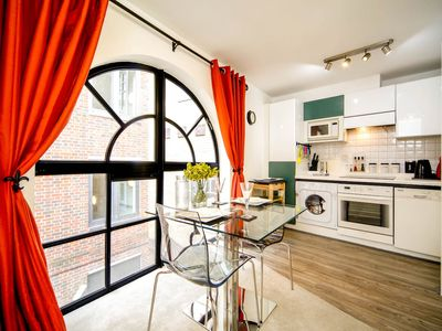 Photo for Splendid 1 bed flat close to St Paul's Cathedral