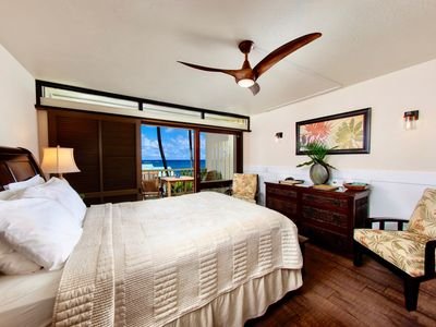"""Photo for Hana Kai Maui-Oceanview """"Kaihalulu""""(Unit #105)Great View-Sunrise From Your Bed!"""