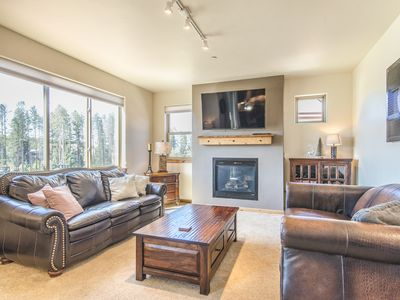 Photo for Luxury Condo at Standard Pricing. 2 Bed 2 Bath Overlooking Hideaway Park!