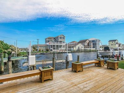 Photo for F61CW: 6BR on the canal in Cape Windsor | Minutes to the beach!
