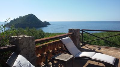 Photo for VILLA WITH PRIVATE ACCESS TO THE BEACH