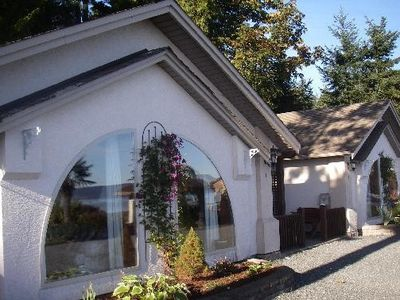 Photo for 2BR Condo Vacation Rental in Qualicum Beach, BC