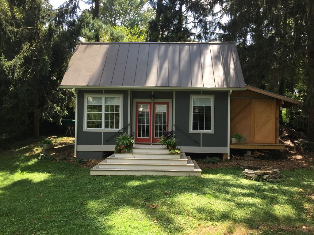 Oxford cottage brand new tiny home vrbo for Charlottesville cabin rentals hot tub