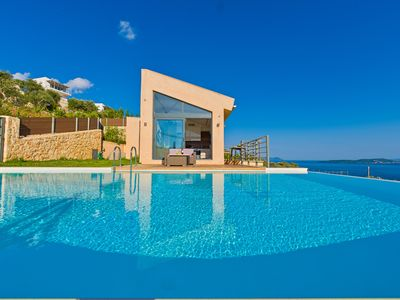 Photo for 3-bedroom Luxury villa with private pool
