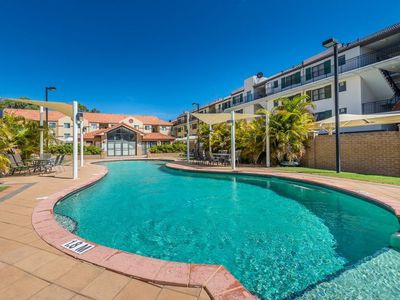 Photo for Great apartment close to Lakeside Shopping Centre-large shared pool