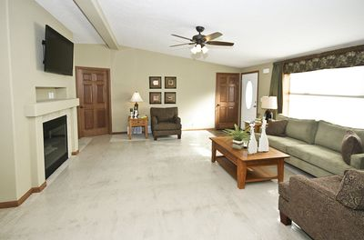 Spacious Living Room With 50' HD TV