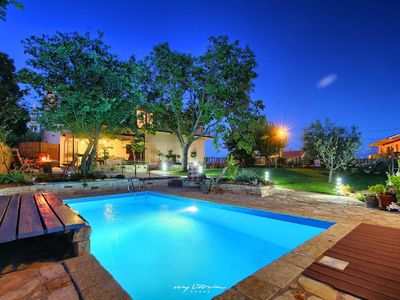 Photo for Charming villa with private pool near Vizinada