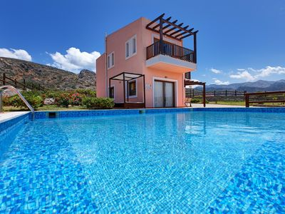Photo for Spacious 3-Bedroom Pool Villa with sea and mountain views 47km from Heraklion(G)
