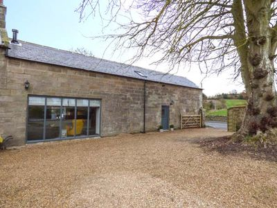 Photo for CHESTNUT BARN, pet friendly, with open fire in Aislaby, Ref 941665