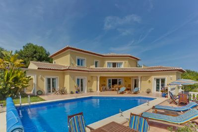 Exceptional Villa Sleeps 8 Rates Reduced Due To Advertising