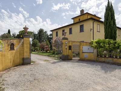 Photo for Villa in Fratta-santa Caterina with 7 bedrooms sleeps 10