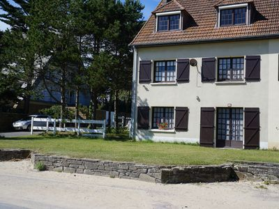 Photo for Large Beach accommodation up to 7 people, family, pet-friendly, superb location!