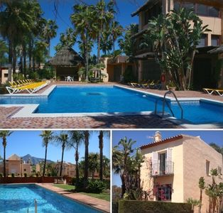 Lovely quiet pools and palmtrees at just 25 steps from our luxurious house