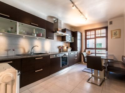 Photo for 1BR Apartment Vacation Rental in Eaux-Vives, GE