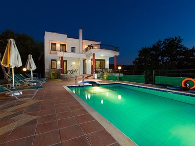 Photo for Luxurious countryside villa - private pool  - close to nature