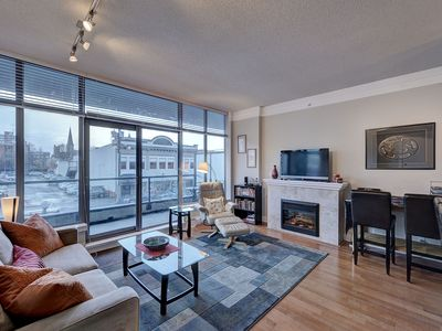 Photo for Cozy Downtown Victoria 1 Bedroom Condo Walking Distance To Amenities