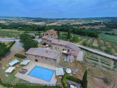 Photo for Farmhouse with swimming pool, surrounded by Chianti vineyards and hills
