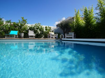 Photo for Large charming house with heated pool, close to the beach