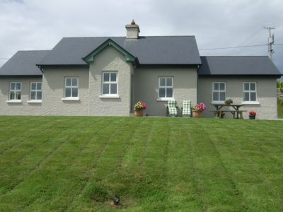 Photo for Country Cottage With Magnificient Mountain Views Free Wifi