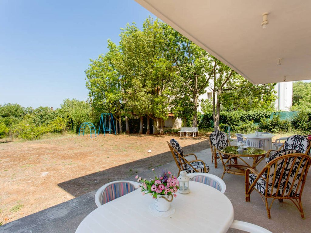 Villa pittoresque porto rafti avec grand jardin 800 for Jardin pittoresque