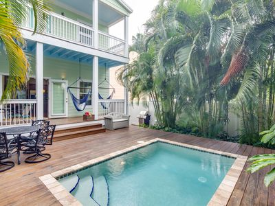 Photo for Gorgeous home w/lush patio & private pool-two blocks to Higgs Beach