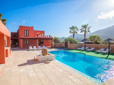 Photo for Superb Villa for 10 people 5 minutes from the beach