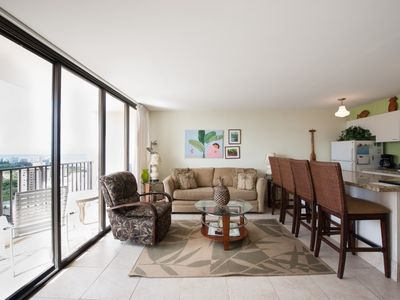 Photo for Honolulu Condo close to the beach
