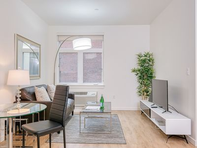 Barsala at Marche | Studio Apartment in Downtown Portland