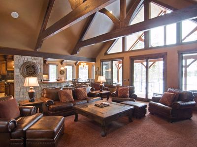 Photo for 56373 Trailmere Circle: 4 BR / 4.5 BA home in Bend, Sleeps 10