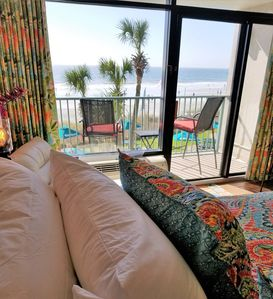 Can you imagine yourself laying in bed THIS close to the ocean?