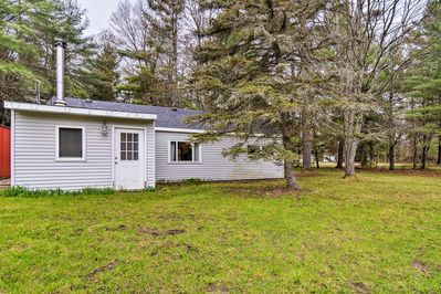 Find a large yard, Lake Otsego nearby, and more at this vacation rental.