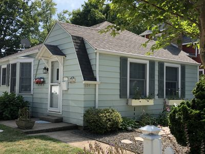 Photo for Dog friendly South Haven Cottage.  Short walk to beach and downtown.