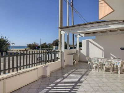 Photo for Posto Vecchio 2 apartment in Salve with air conditioning & balcony.