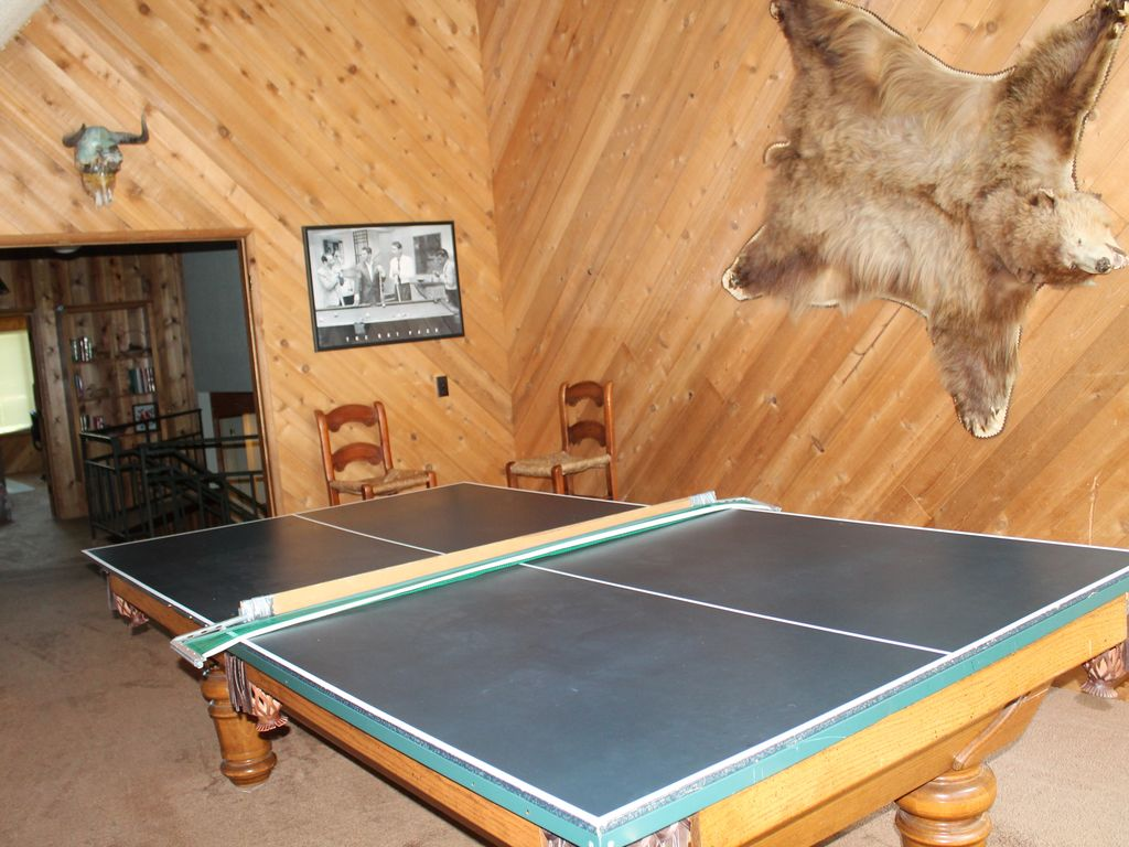 Book Blue Jay Lodge | South Lake Tahoe Hotel Deals